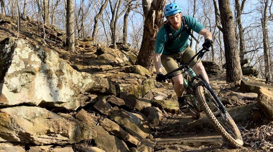 mtbiker riding on rocks